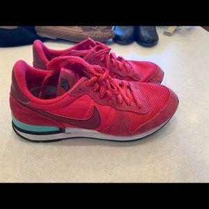 Nike internationalist women sneakers 6 red